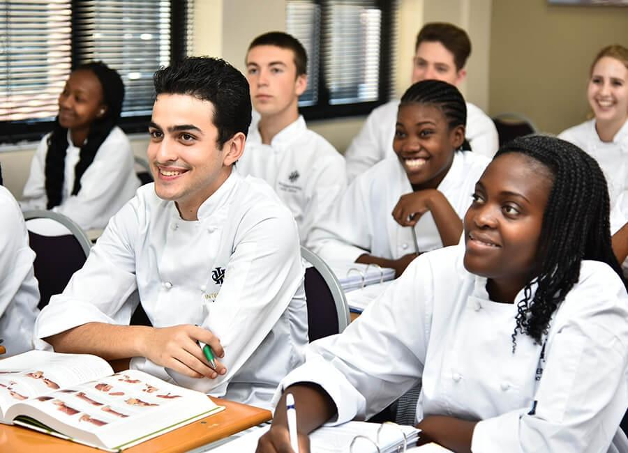 Formation dans les métiers de l'hospitalité et des arts culinaires au sein d'un campus International Hotel School © Invictus Education Group