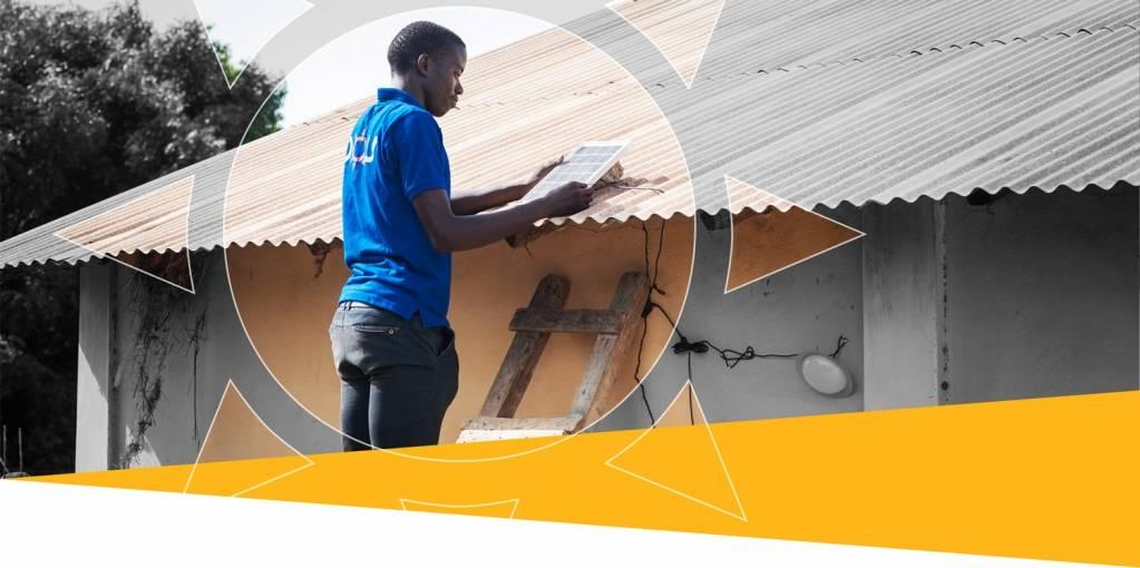 Fondée en 2015 par par Daniel Rosa (actuel directeur général) et Nilmi Senaratna (directrice commerciale), la start-up d'énergie solaire Oolu Solar a été l'une des premières entreprises à réussir la distribution des produits solaire PAYG en Afrique de l'Ouest. - © Oolu Solar