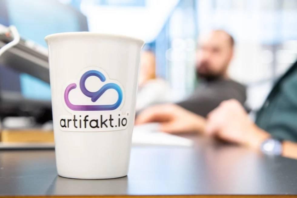 © Artifakt