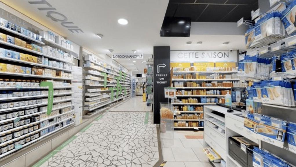 Agencement pharmacie de la Poste Aix-les-Bains © Proexpace