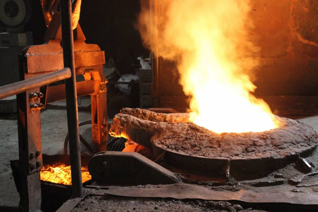 Technival Industrie opère de la matière première à la pièce finale installée, ainsi que la maintenance industrielle sur site via différentes activités : la fonderie, la chaudronnerie, la rectification, la conception de machines spéciales et la mécanique générale.