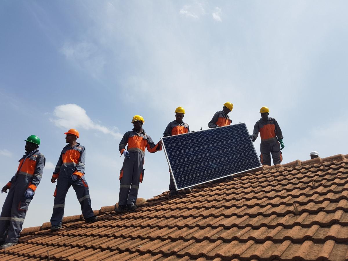 SunFunder débloque des capitaux au profit des fournisseurs d'énergie solaire dans les marchés émergents, où plus de 2,2milliards de personnes vivent sans accès à une énergie fiable. ©SunFunder