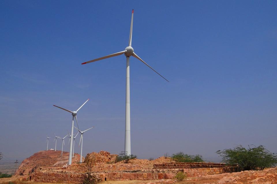 Dans sa première phase, le parc éolien de Taza, qui comprendra 27 turbines éoliennes fabriquées par General Electric, permettra de produire l'équivalent de la consommation électrique d'une ville d'environ 350 000 habitants.