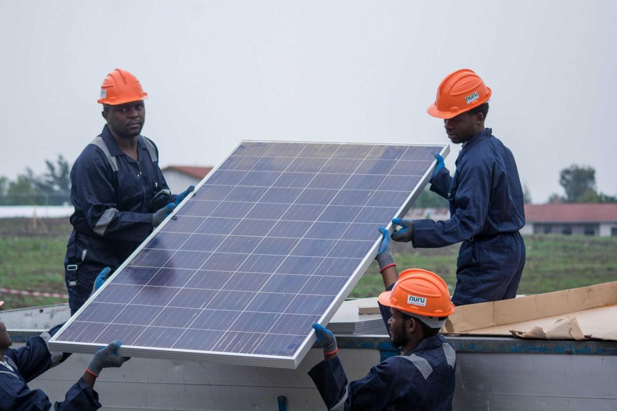 Fondé en 2015 par Jonathan Shaw sous le nom de Kivu Green Energy, le fournisseur d'off-grid congolais s'est rebaptisé en septembre 2019 Nuru afin de refléter son expansion au-delà de la région de Kivu en RDC.