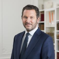 Alexandre Piette, Desfilis