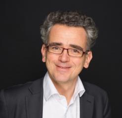 François-Xavier Oliveau, Initiative & Finance