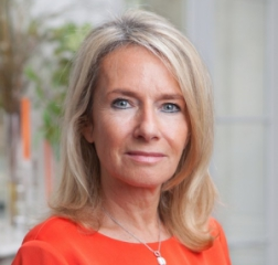 Isabelle Buffard-Bastide, Desfilis